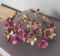 Porcelana Headpiece Wedding, Bridal Headpieces, Veil Hairstyles, Wedding Hairstyles, Floral Headdress, Floral Headbands, Hair Ornaments, Wedding Hair Accessories, Flower Crown