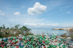 Laptop packaging is an unlikely new destination for plastic otherwise destined for oceans – but will it make a difference to the clean-up efforts?