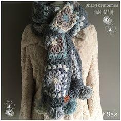 Zoals ik dinsdag al aankondigde op mijn blog hierbij het gratis patroon van de shawl Printemps gehaakt in een combinatie van wol Julia en bolletjes katoen van