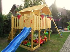Gartenhaus mit Rutsche und Schaukel Outdoor Play, Outdoor Spaces, Outdoor Living, Backyard Playground, Backyard For Kids, Jungle Gym, Hanging Canvas, Modern Kitchen Design, Play Houses