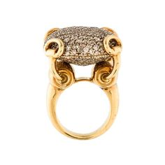 Gucci Large Diamond Horsebit Ring ❤ liked on Polyvore featuring jewelry, rings, pave ring, 18 karat gold jewelry, pave cocktail ring, diamond jewellery and diamond rings