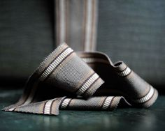Gros Grain 70mm tan/grey | Merchant & Mills