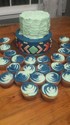 Aztec cake with cupcakes