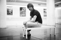 El ballarí Igor Yebra arriba a Terrassa convertit en 'Zorba, el grec' Rye, Culture, Men, Rye Grain