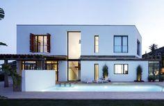 Buscá imágenes de diseños de Casas estilo mediterraneo de 08023 Architects. Encontrá las mejores fotos para inspirarte y creá tu hogar perfecto.