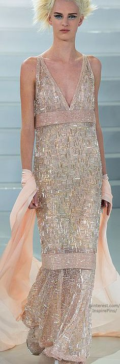 Spring 2014 Couture Chanel...........Where on earth did your shape go Chanel? Great fabrics