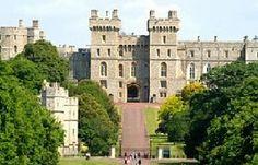 #WindsorCastle muy cercano a #Londres, el principal palacio de la reina Victoria y una de las residencias de la monarquía británica. http://www.viajaralondres.com/?page=windsorcastle.php
