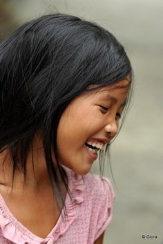 this smile:) Vietnamese Girl (by Giora's) Happy Smile, Smile Face, Make You Smile, Happy Faces, I'm Happy, We Are The World, People Of The World, Precious Children, Beautiful Children