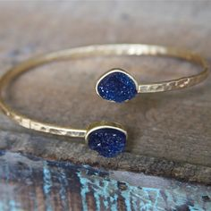 Again with the Garrus Colors (well his ME3 armor colors ;-D) Druzy Cuff Bracelet | Stitch and Stone