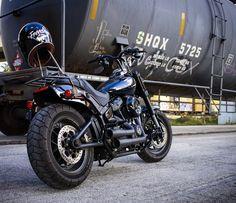 Harley Davidson News – Harley Davidson Bike Pics Harley Davidson Fat Bob, Harley Davidson Pictures, Harley Davidson Motorcycles, American Motorcycles, Old Motorcycles, Motorcycle Images, Motorcycle Garage, West Coast Choppers, Bike Photo