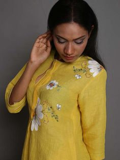 Description: It is a Hand Embroidered linen tunic with side slits. Length - Front : Back : Size Chart - These are garment measurements: XS - Chest : Embroidery On Kurtis, Hand Work Embroidery, Embroidery Suits, Hand Embroidery Designs, Kurta Designs, Blouse Designs, Shirts & Tops, Cochin, Vetements Clothing