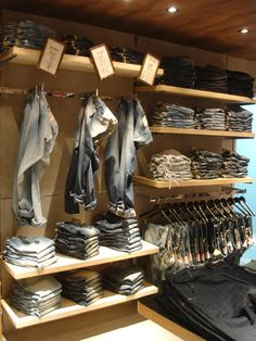 Dzarm / santa irreverência retail detail in 2018 loja mascul Boutique Interior, Clothing Store Interior, Clothing Store Displays, Clothing Store Design, Shop Interior Design, Retail Design, Interior Ideas, What Is Merchandising, Visual Merchandising Fashion
