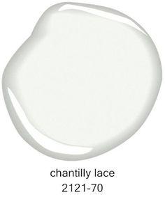 #BenjaminMoore Chantilly Lace 2121-70