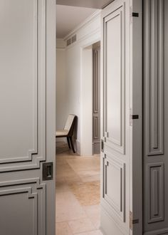 nice Door Molding with a nod towards Art Deco Classic Interior, Home Interior Design, Interior And Exterior, Interior Door, Panel Doors, Windows And Doors, Architecture Details, Interior Architecture, Door Design