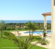 3 bedroom villa with heated pool and seaview in Estombar, Lagoa, Algarve,  Portugal - http://www.portugalbestproperties.com/component/option,com_iproperty/Itemid,8/id,792/view,property/#