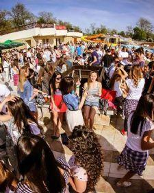 Treći po redu Uranak, muzički festival, održaće se od 30. aprila do 03. maja na Srebrnom jezeru. Uranak je koncipiran na tri muzička pravca: elektronski, pop, hip-hop. Program za sve muzičke ukuse ove godine širi se na četri stejdža: Live stage, Open air stage, Urban stage i Boat stage.