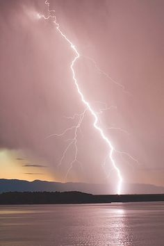 Lightning strikes, thunderstorm, water, reflections, wild, beauty of Mother Nature, stunning scenery