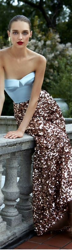 || Rita and Phill specializes in custom skirts. Follow Rita and Phill for more sequin skirt images. https://www.pinterest.com/ritaandphill/sequin-skirts