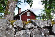 Sweden via http://www.hemnet.se/inspiration/visa/tradgard/bilder
