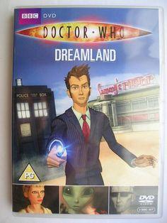 """""""Dreamland"""" è un'avventura a cartoni animati che fa parte della nuova serie di """"Doctor Who"""", dove si inserisce tra la quinta e la sesta stagione, trasmessa nel 2009 con il Decimo Dottore. È scritta da Phil Ford e diretta da Gary Russell. Immagine dall'edizione britannica del DVD. Clicca per leggere una recensione di quest'avventura!"""