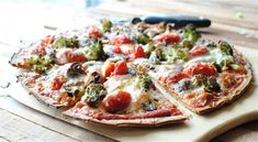 Oven Roasted Veggie Pizza! Looks so easy and delicious!