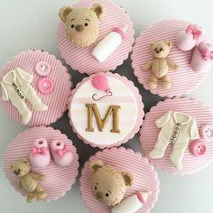 E tudo a ver com o bolo de ursinho, são os cupcakes da @isaherzog #inspiration #inspiracao #party #kidsparty #festainfantil #bolo #cake #cakedesign #cupcake #cupcakedesign #festadecorada #bolodecorado #love #amo #lindo #teddybear #ursinhoteddy #ursinhoted #ursinho #festaursinho #chadebebe #mesversario #aniversario #bday #birthday #babyshower #monthversary