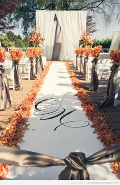 Tapis feuilles mortes, mariage automne