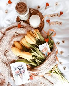 Good Morning Quotes Discover Home Flower photography inspiration Flatlay Instagram, Photo Instagram, Flat Lay Photography, Flower Photography, Sweet Coffee, Coffee Heart, Flat Lay Inspiration, Coffee Cafe, Pretty Flowers