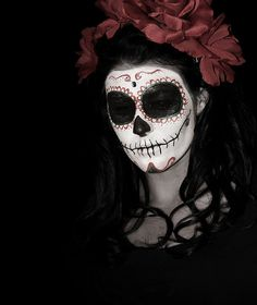 I might have to give up marry poppins and be a sugar skull for Halloween :O Sugar Skull Face, Skull Face Paint, Sugar Skull Makeup, Sugar Skulls, Fete Halloween, Halloween Make Up, Halloween Face Makeup, Barbie Halloween, Halloween Costumes
