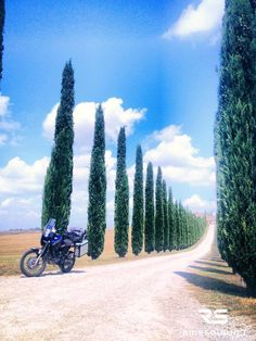 You can't leave Tuscany without a pic like this! #motorcycle #tour #italy