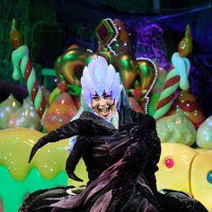 フロートのデザインが変わったのと一緒に撮りたかったんだ けど闇の女王優先になっちゃってた   #ピューロアンバサダー  #闇の女王 #ノッテ  #miraclegiftparade #ミラクルギフトパレード #puroland #ピューロランド #ピューロランドダンサー  #ピューロダンサー   #kawaii #冬ピューロ #廣瀬愛 さん #puro25th  撮影:2016.11.12 Sanrio Characters, Fictional Characters, Thunder, The Darkest, Princess Zelda, Kawaii, Queen, Instagram Posts, Gifts