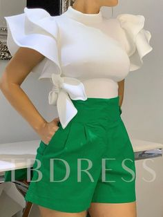 Suit Fashion, Look Fashion, Women's Fashion Dresses, Girl Fashion, Fashion Design, Chic Outfits, Girl Outfits, Elegant Dresses Classy, Stylish Tops For Women