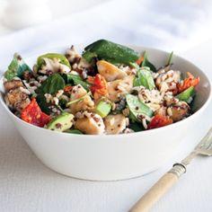Chicken, rice and quinoa salad - Healthy Food Guide Quinoa Mix, Quinoa Salad, Spinach Stuffed Chicken, Chicken Rice, Healthy Salads, Healthy Recipes, Healthy Food, Chicken Eggplant, Large Salad Bowl