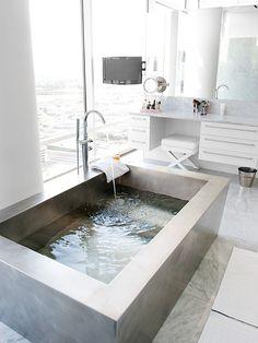 what a dream bathtub