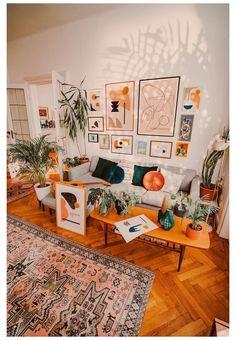 Boho Room, Boho Living Room, Cozy Living Rooms, Barn Living, Retro Living Rooms, Living Room Gallery Wall, Eclectic Gallery Wall, Modern Gallery Wall, Mid Century Modern Living Room