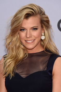 Kimberly Perry in Arrivals at the 48th Annual CMA Awards