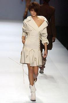 Jean Paul Gaultier Spring 2004 Ready-to-Wear Fashion Show - Jean Paul Gaultier, Mariacarla Boscono (Viva)
