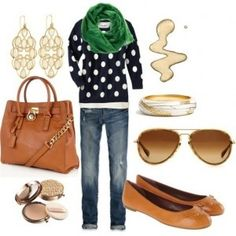 Love the polka-dotted sweater paired with the hunter green scarf! ♥