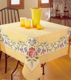 Discover thousands of images about Lili Fazendo Arte: Bordado Xadrez: Toalha Florida Chicken Scratch Patterns, Chicken Scratch Embroidery, Cross Stitch Embroidery, Hand Embroidery, Needle Tatting Tutorial, Bordado Tipo Chicken Scratch, Red Dinnerware, Swedish Embroidery, Diy And Crafts