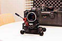 IFLOW | A Portable Dolly For DSLR, Compact Camera & Iphone //