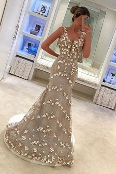 Still hestitating what to buy for your evening party? Ballbella offers you evening dresses in different style with high quality, we have whatever you want. Holiday Dates, Lilac, Pink, Lavender, Evening Dresses Online, Evening Party, Occasion Dresses, Different Styles, V Neck