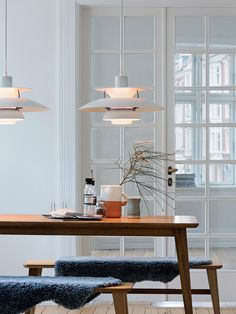 Vintage Scandinavian Louis Poulsen Pendant Warmly Lights White Dining Room with Wood Table - Eclectic Home Decor Danish Interior Design, Scandinavian Interior, Danish Design, Top Interior Designers, Scandinavian Style, Pallet Patio Furniture, Plywood Furniture, Furniture Ideas, Home Decor Accessories