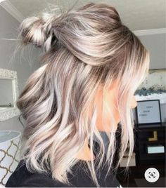 blond hair for short to medium length hair - # hairstyle trends - # Check more at. blond hair for short to medium length hair - . Ash Blonde Hair Dye, Blonde Hair Extensions, Light Ash Blonde, Blonde Balayage, Wavy Hair, Blonde Shades, Cool Blonde Hair, Blonde Color, Hairstyle Ideas
