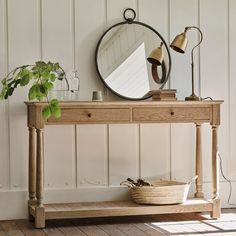 The elegant dimensions of the Everett Oak Console Table make it the perfect solution for storing those everyday items that accumulate in the hallway. Classic Consoles, Flur Design, Mad About The House, Hallway Designs, Oak Table, Recycled Glass, Solid Oak, Entryway Tables, Console Tables