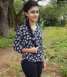 Ammu Abhirami HD Images: Latest Photos, Pictures, Stills of Ratsasan Ammu Beautiful Girl In India, Beautiful Girl Photo, Most Beautiful Indian Actress, Beautiful Asian Girls, Stylish Girls Photos, Stylish Girl Pic, Cute Beauty, Beauty Full Girl, Beauty Women