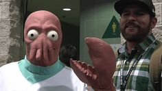 Using sculpting, molding and animatronics, effects artist Frank Ippolito and Tested have done excellent things with this Dr. Zoidberg outfit that was shown off at this year's Wondercon.