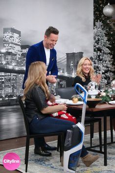 As seen on Cityline TV, this skyline mural makes you feel like you're taking in the views of the Brooklyn Bridge from a skyscraper window. The black and white photo mural adds a modern glam look and matches most interior decor. Printed on removable wallpaper, it's perfect for a New York theme dining room. Click to see all 7 cityscape murals perfect for wallpaper diy. City themed dining room ideas! Cityscape Wallpaper, Diy Wallpaper, New York Theme, Photo Mural, Room Themes, Brooklyn Bridge, Murals, Skyscraper, Interior Decorating