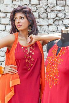 Designer kurtis for girls - Simple Craft Ideas Pakistani Bridal Dresses, Indian Dresses, Indian Outfits, Kurti Patterns, Dress Patterns, Indian Attire, Indian Wear, Designer Wear, Designer Dresses