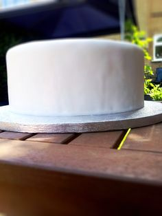 DIY cake. Very thorough tutorial using fondant.  Look at the ruffle cake using butter cream frosting.  Butter cream is more my style.