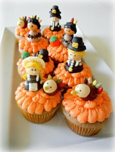 Thanksgiving Cupcakes with Pilgrim, American Indian, and Turkey Candy Toppers - Sugar Swings! Serve Some Thanksgiving Cupcakes, Turkey Cupcakes, Holiday Cupcakes, Cupcake Party, Holiday Treats, Halloween Treats, Thanksgiving Recipes, Cupcake Cakes, Thanksgiving Holiday